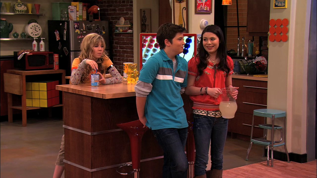 icarly-beauty-pageant-episode-nudity-yahoo-naked-teens
