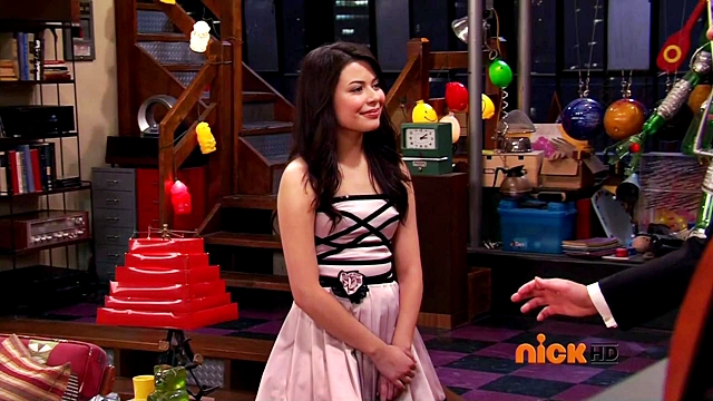 Amateur icarly mouth open thick