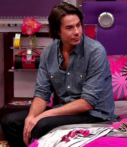 Icarly Igoodbye Sparly Spencer Carly Shay Bedroom (5)