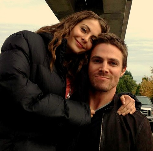 0 Stephen Amell Willa Holland Arrow