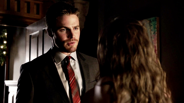 Arrow - Year's End - Queencest - Oliver Thea Queen (109)