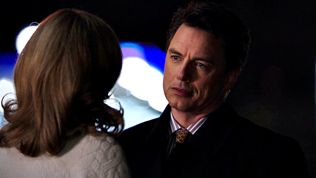 Arrow - Year's End - Queencest - Oliver Thea Queen (159) malcolm merlyn and moira