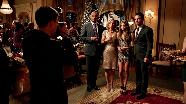 Arrow - Year's End - Queencest - Oliver Thea Queen (72)