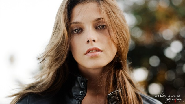 Ashley Greene (9)