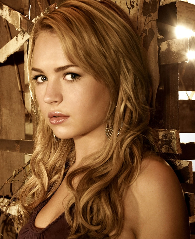 Britt Robertson Photoshoot (3) - secret circle promo
