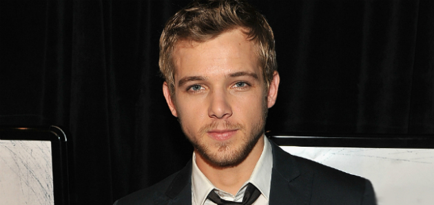 Max Thieriot - Suit (2)