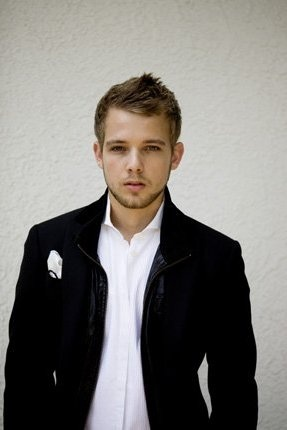 Max Thieriot - Suit