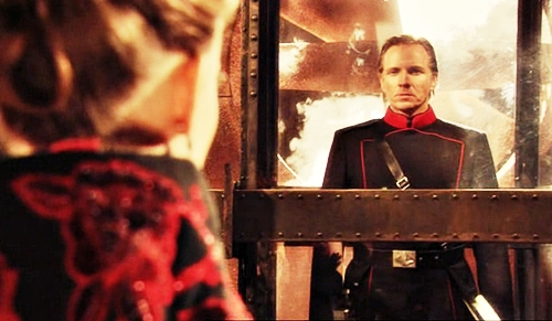 28100 - Flash Gordon - 2007 - Sy Fy, Sci Fi - Aura, Terek - Anna van Hooft, Craig Stanghetta - 1.22 - Revolution - screencaps (6)